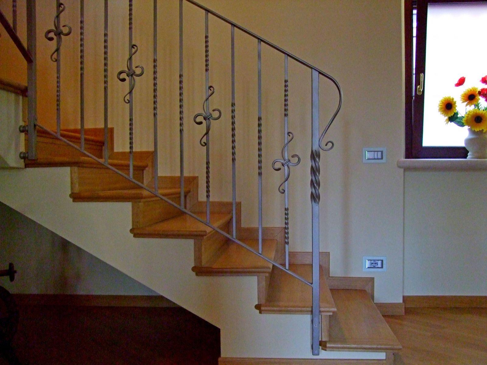 abbastanza Bergamaschi Serramenti parapetto per scale, ringhiere in ferro  GZ24